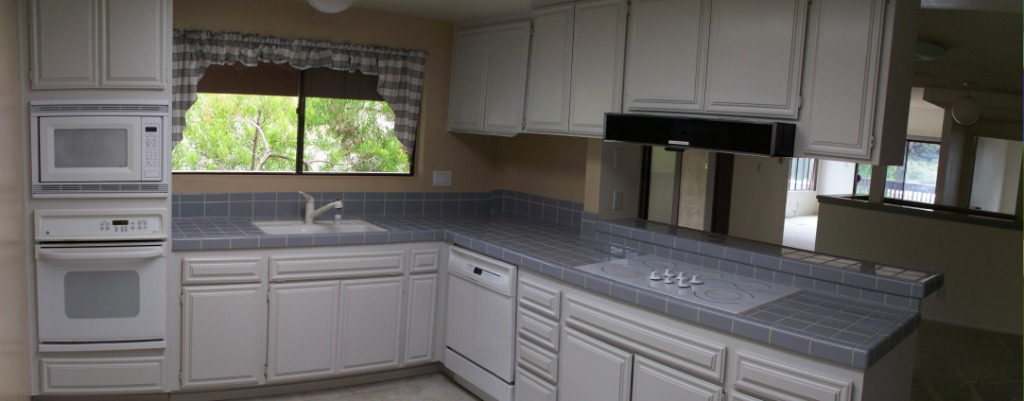 Kitchen - Contemporary Style with Numerious Cabinets