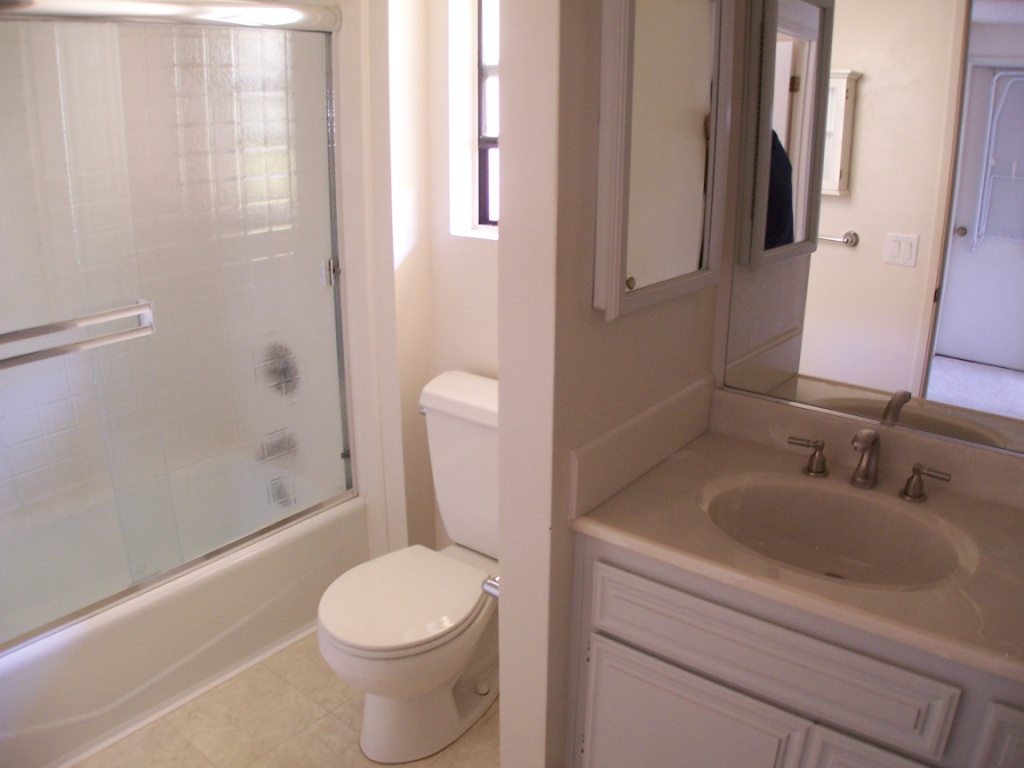 Affordable Room For Rent In Luxury Townhouse Near San Diego State Sdsu Shared Bathroom